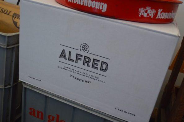 "verpakkingsdoos van het nieuwe bier ""Alfred"" - info : www.alfred.be"